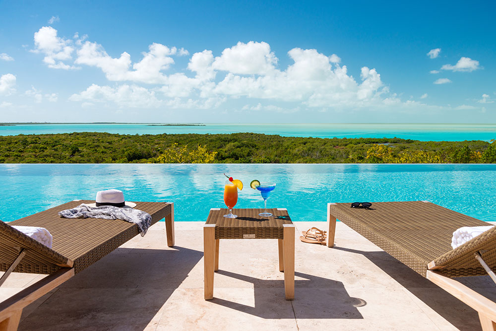 Sailrock-Resort-Great-House-Pool-Infinity-Edge-Cocktails-1