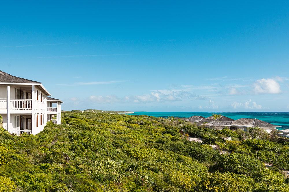 Sailrock-Resort-Ridgetop-Suites-Beachfront-Villas-1