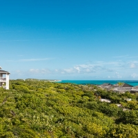 Sailrock-Resort-Ridgetop-Suites-Beachfront-Villas-1